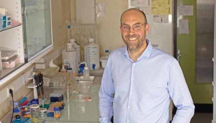 Luc Dupuis, directeur de recherche à l'INSERM